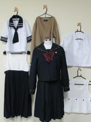 愛国中学校・高校の制服写真(No.34520)